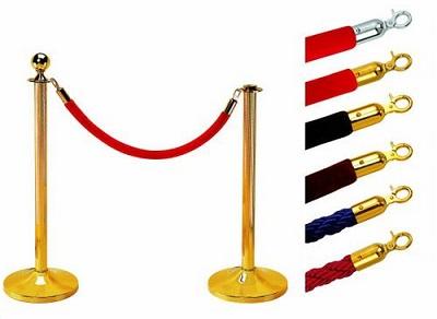 Cột chắn cao cấp với dây nhung và cột chắn mạ vàng1